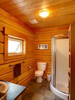 Bear Lodge bathroom