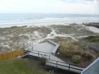 Beach lovers Dream - BIG LUXURY CONDO! 1500 sq ft