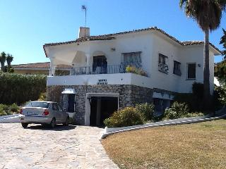 Stunning Villa ideal for families and Golfers in Guadalmina Alta, Benahavis
