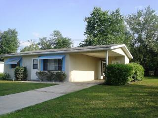 Affordable Cozy Vacation Home on Quiet 55+ Communi, Ocala