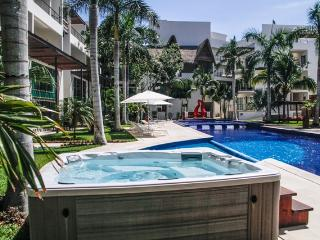 Via 38 - Best pool and place. Luxury 2 bed, Playa del Carmen
