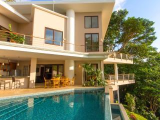 Casa Bambu Contemporary Design in Tropical Nature