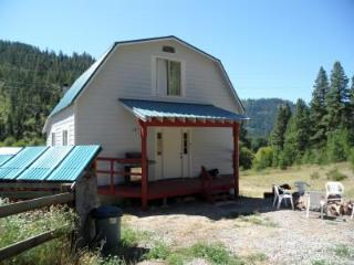 Quiet Country Cabin in Leavenworth, WA (sleeps 9)