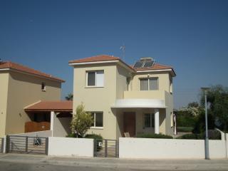 Near the beach villa at Faros beach, communal pool, Pervolia
