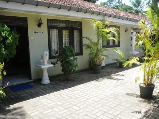 Amaya Chalet B&B -Near Negombo beach/Colombo Airport
