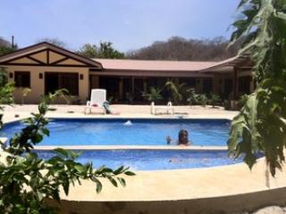 Vacation Rental, Karen's Hidden Valley, Huacas