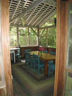 Porch Seat 10