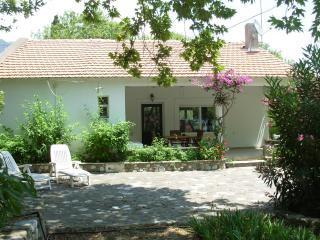 Goiteia   Seaside villa at Corinthian Bay