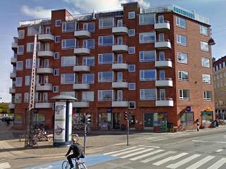 Bright Copenhagen apartment overlooking the ramparts