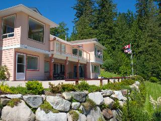 Ocean Ridge Retreat B&B - Gold Star Pampering, Gibsons