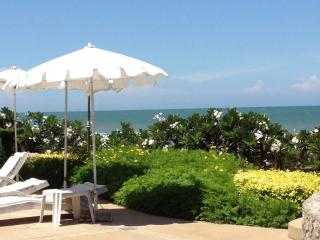 Holiday  Apartment on Beach - Cha am