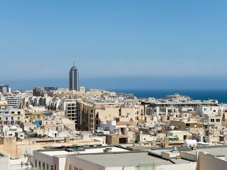 027 Foremost Location, Stylish Sliema 2-bedroom