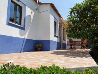 Holiday home in the countryside and near the beach, Armação de Pêra