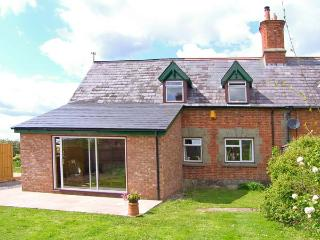 MOTCOMBE NURSERY, pet-friendly, AGA, off road parking, in Motcombe, Ref 16149