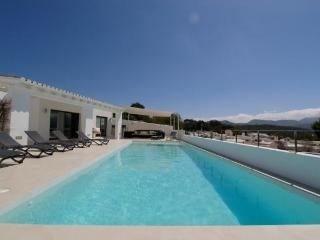 5 bedroom Villa in Cala Conta, Ibiza : ref 2133399