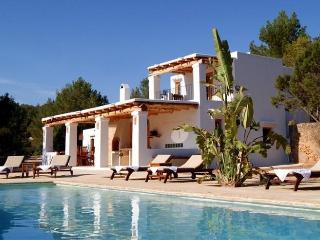 3 bedroom Villa in Cala Vadella, Islas Baleares, Ibiza : ref 2135600