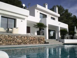 4 bedroom Villa in Cala Tarida, Ibiza : ref 2240089