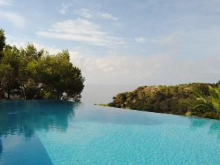 Villa in Cala Jondal, Islas Baleares, Ibiza, Es Cubells