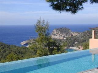 Villa in Cala Salada, Islas Baleares, Ibiza, Cala Gracio