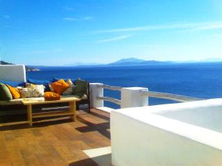 Away from it All... a 5-Bedroom 5-Bathroom, Seafro, Naxos