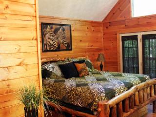 JUNGLE FEVER - Pigeon Forge - Gatlinburg Vacation Cabin rental