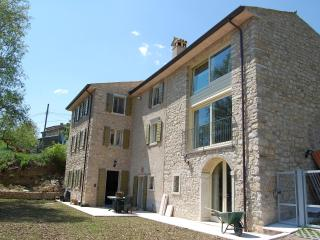 Luxuriously renovated farmhouse above Lake Garda., Caprino Veronese