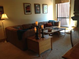 4BD/3BA Northshore Lake Views with 2 Master Suites, Tahoe City