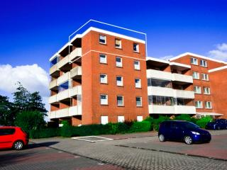 Vacation Apartment in Dornumersiel - 538 sqft, beautiful, near the beach, quiet (# 4007)