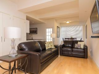 Sleeps 8! 3 Bed/2 Bath Apartment, Times Square, Awesome! (8452), Nueva York