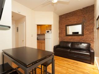 Sleeps 5! 2 Bed/1 Bath Apartment, , Awesome! (8489)