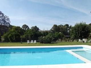 Vila with large private pool and well tended gardens, holiday rental in Alora