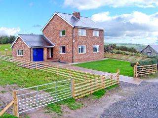 PEN Y GAER, detached cottage, hot tub, on livestock farm, woodburner, enclosed garden, superb views, near Llannefydd, Ref 19983