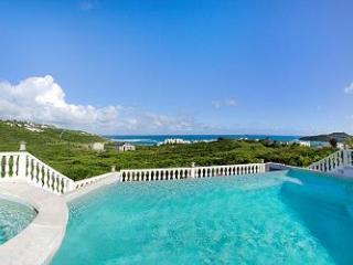 VILLA STAR... 3 BR in Red Pond Estates, breathtaking ocean views, St Maarten