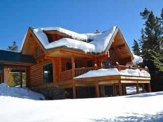 Fall Specials! Eagle's Nest Overlooking Lake Cle Elum!  4BR | Hot Tub