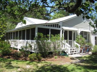 Pet-Friendly Cottage in Seagrove Beach