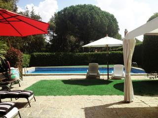 House with private pool and garden near Madrid!, Galapagar