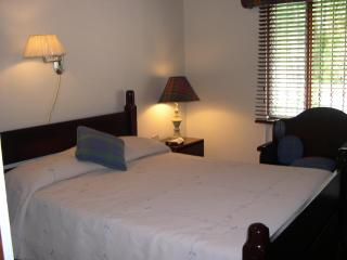 Honeymoon Suite, Cartago
