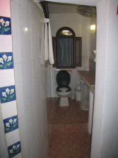 Cottage Baja Bathroom