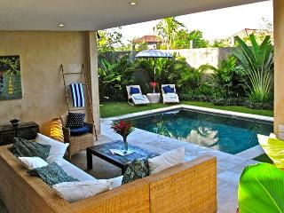 Located in the heart of Seminyak - 2BR Seminyak Villa (Yuyu Villa)