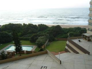 Beach holiday apartment with terrific ocean views, Amanzimtoti