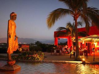 Mayan Palace Master Suite-2 BR: Nuevo Vallarta, MX