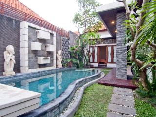 Relaxing Villa Matahari, Kerobokan