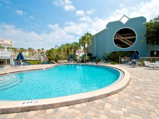 Hibiscus Resort - C102, Oceanview, 2BR/2BTH, 3 Pools, Wifi