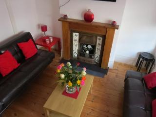 Budget Group House In Hove (Sleeps 12), Brighton