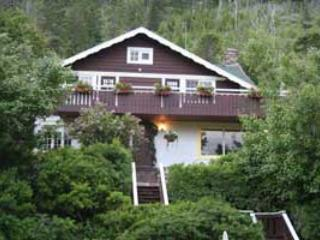 Northland Lodge, Waterton Lakes National Park
