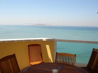 Beautiful sea views, fronline to both beaches! 021