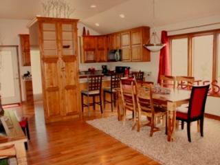 Open Floor Plan with Dining Room