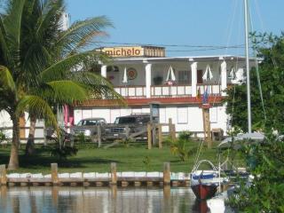Michelo, Placencia