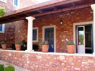 Agapi - Romantic apartment for couple, or small family in a quiet traditional complex, La Canea