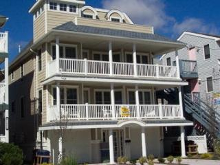 1404 Ocean Avenue 2nd & 3rd 35590, Ocean City
